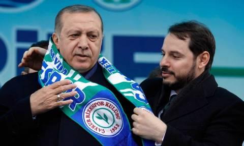 Αλμπαϊράκ: «Ο πασάς της Τουρκίας που θα σάπιζε στη φυλακή αν δεν ήταν γαμπρός του Ερντογάν»