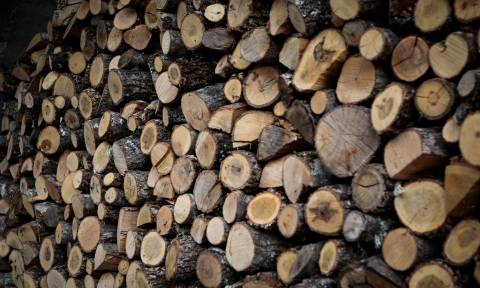 Καύσιμη ύλη: Ό,τι χρειάζεστε για να διαμορφώσετε τη ζεστή ατμόσφαιρα που επιθυμείτε