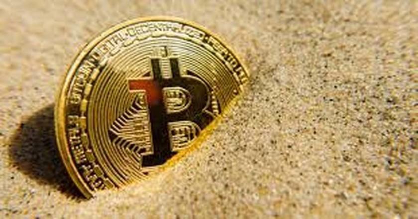 Κατρακυλά το bitcoin - Έχασε το ένα τρίτο της αξίας του σε μία εβδομάδα
