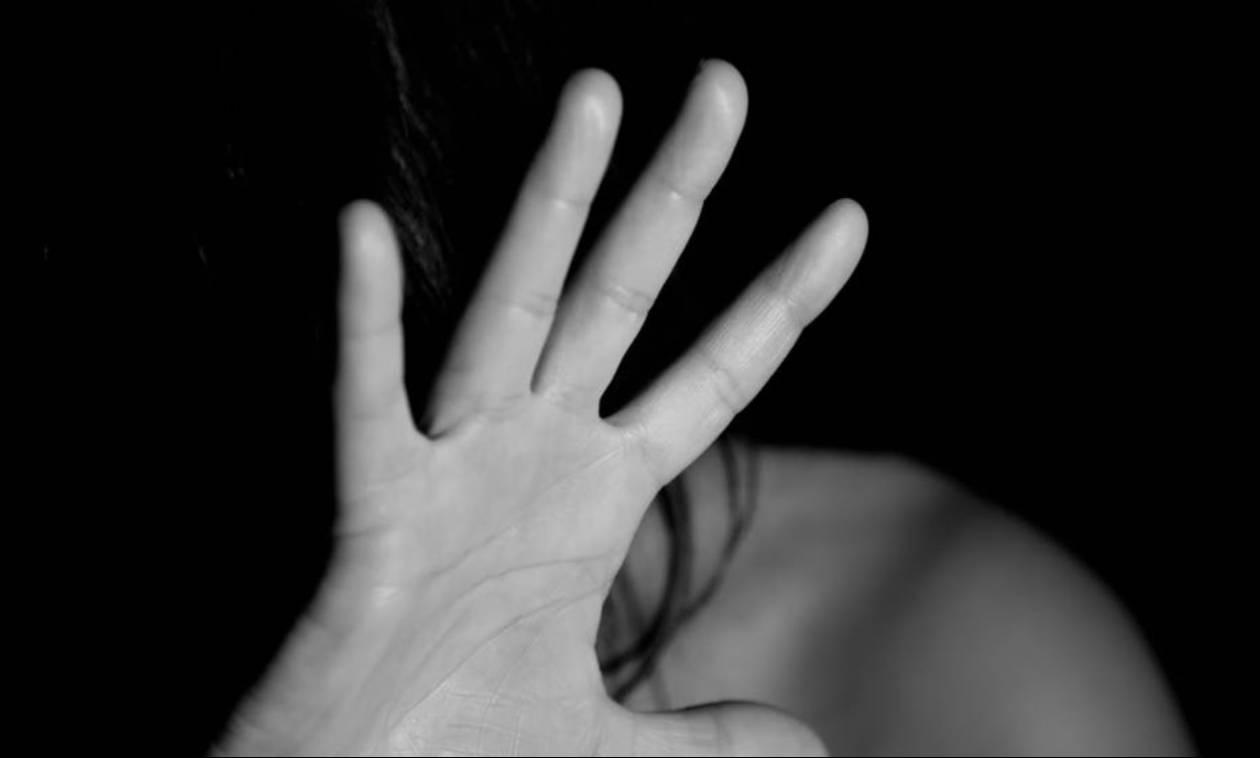 ActionAid: Προβληματική η εφαρμογή του νομικού πλαισίου για την ενδοοικογενειακή βία