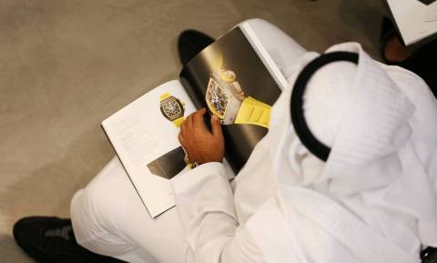 Χρονομηχανές $2.6 εκατ: Μέσα στην πρώτη δημοπρασία ρολογιών των Sotheby's στο Ντουμπάι