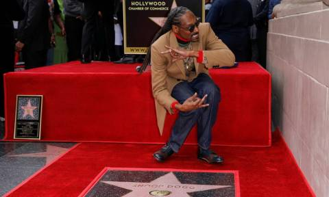 Ο Snoop Dogg απέκτησε αστέρι στη Λεωφόρο της Δόξας και ευχαρίστησε τον… εαυτό του (video)