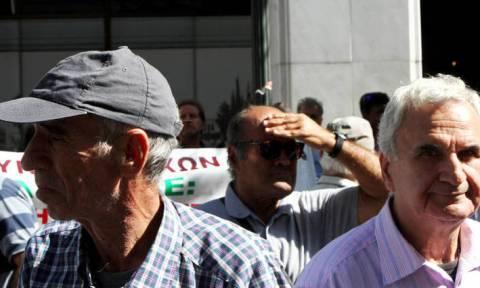 Συνταξιούχοι: Διεκδικήστε αναδρομικά και για την εισφορά αλληλεγγύης