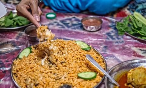 Αποτρόπαιο έγκλημα: Σκότωσε το φίλο της, τον μαγείρεψε με ρύζι και τον σέρβιρε σε εργάτες