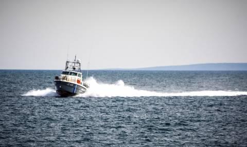 Στο λιμάνι του Γυθείου ρυμουλκήθηκε το φορτηγό πλοίο που είχε πιάσει φωτιά