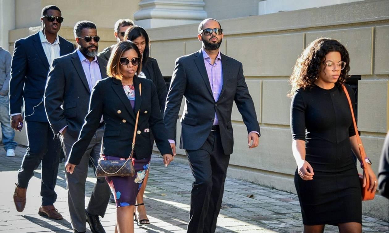 Ζάκυνθος: Ένοχοι οι 6 από τους 9 κατηγορούμενους για τη δολοφονία του Αμερικανού Μπακαρί Χέντερσον
