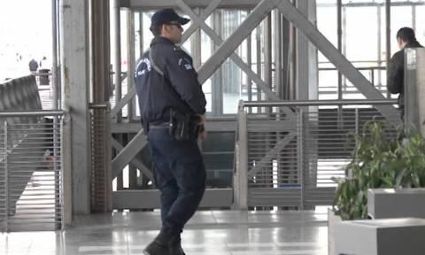 Θεσσαλονίκη: Νέες συλλήψεις για παράνομη μεταφορά μεταναστών - Προσποιήθηκαν τους γονείς ανηλίκων
