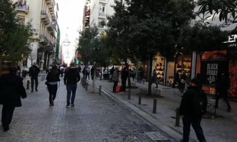 Black Friday: «Πλημμύρισαν» με κόσμο τα καταστήματα (pics&vid)