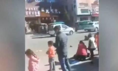 Τραγωδία στην Kίνα: Ο οδηγός που παρέσυρε μαθητές έξω από σχολείο ήθελε να αυτοκτονήσει