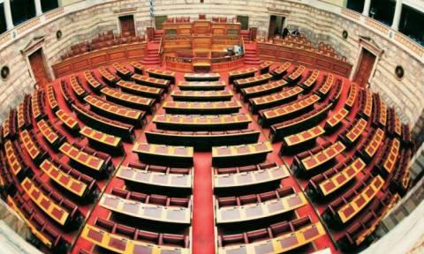 Στη Βουλή η δικογραφία για το σκάνδαλο του C4i - «Καίει» τον Παπαντωνίου το διαβιβαστικό