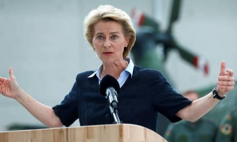 Σκάνδαλο διαφθοράς κλονίζει την «άμεμπτη» Γερμανία: Η υπουργός Άμυνας και τα 200 εκατ. ευρώ