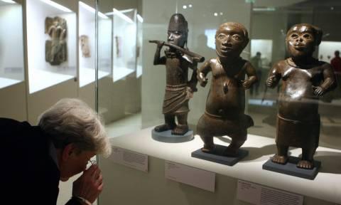 Η Γαλλία επιστρέφει στο Μπενίν 26 λεηλατημένα έργα τέχνης
