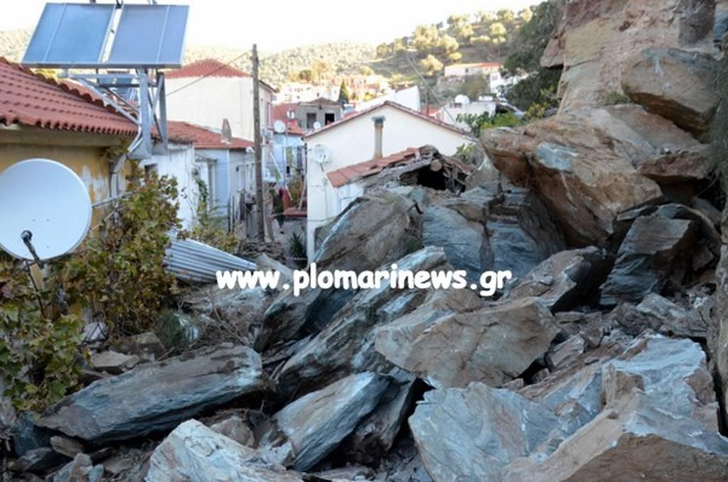 Μυτιλήνη: Συγκλονιστικές εικόνες από κατολίσθηση – Βράχοι «έπνιξαν» σπίτια (pics-vid)