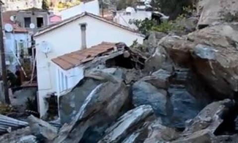 Μυτιλήνη: Συγκλονιστικές εικόνες από κατολίσθηση βράχων που «κατάπιαν» σπίτια (pics-vid)