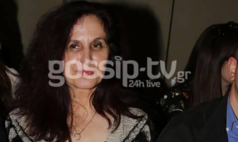 Είναι η μαμά γοητευτικού Έλληνα και… μέλλουσα πεθερά γνωστής τραγουδίστριας!