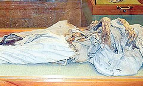 Η «ξανθιά» Ελληνίδα καλόγρια που προκαλεί δέος στους Τούρκους