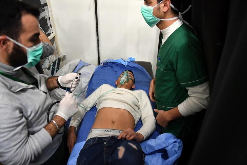 Ανθρώπινα κτήνη! Βομβάρδισαν με χημικά το Χαλέπι – Τουλάχιστον 107 άνθρωποι με συμπτώματα ασφυξίας
