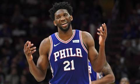 Κατά λάθος ή επίτηδες; Παίκτης του NBA κάνει πάσα στον εαυτό του και βάζει καλάθι!