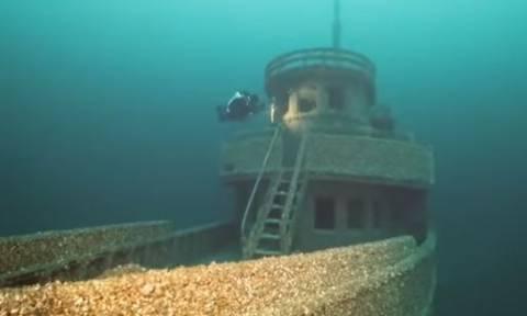 «Καταραμένο» πλοίο βρέθηκε 90 χρόνια μετά στο βυθό λίμνης στον Καναδά! (vid)