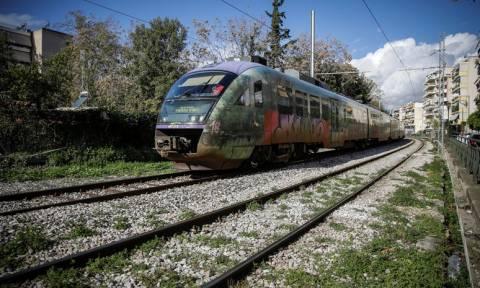 Οι πρώτες εικόνες από την τραγωδία στα Σεπόλια: Τρένο παρέσυρε γυναίκα (ΠΡΟΣΟΧΗ - ΣΚΛΗΡΕΣ ΕΙΚΟΝΕΣ)
