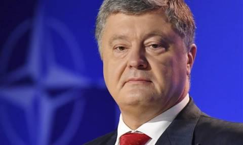 Ραγδαίες εξελίξεις: O Ποροσένκο κήρυξε στρατιωτικό νόμο στην Ουκρανία - Εγκρίθηκε από το κοινοβούλιο