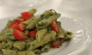 Η συνταγή της ημέρας: Πένες με πέστο αβοκάντο