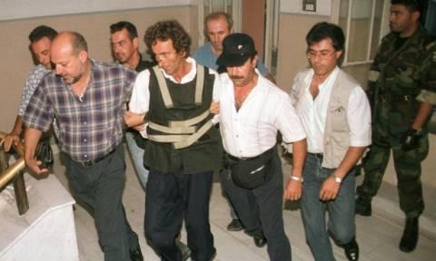 Σοκ: Αποφυλακίστηκε ο παιδοκτόνος της Κρήτης που είχε πνίξει τα τρία του παιδιά! (vid)