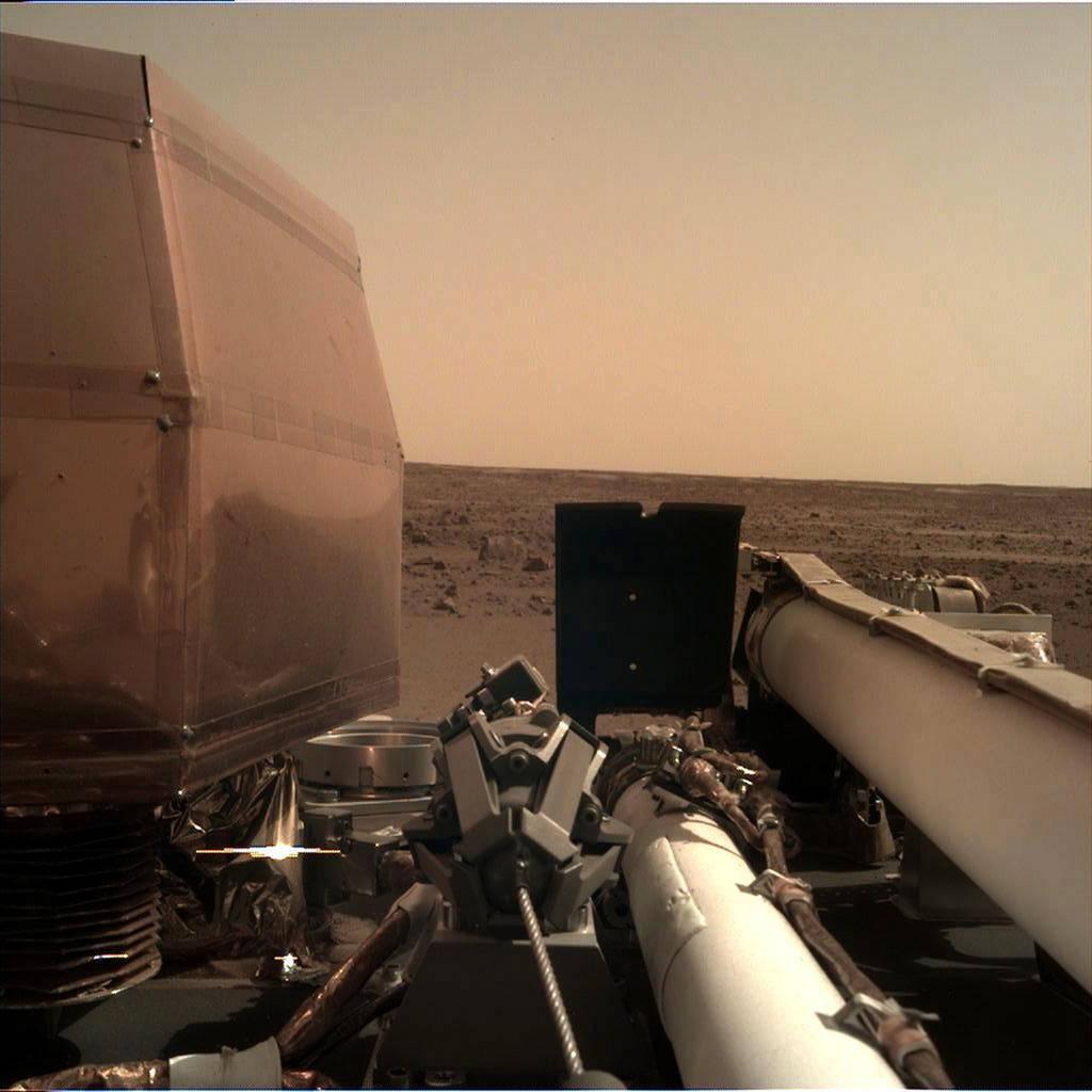 Σαν από άλλη διάσταση: Στον Άδη του «Κάτω Κόσμου» προσεδαφίστηκε το InSight της NASA (Pics+Vids)