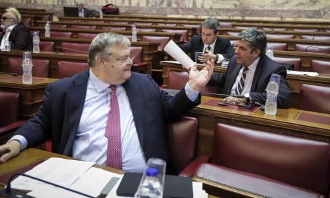 «Αρπάχτηκαν» Παρασκευόπουλος - Βενιζέλος: «Ηρέμησε» - «Δεν είμαι ο ψυχαναλυτής σου»