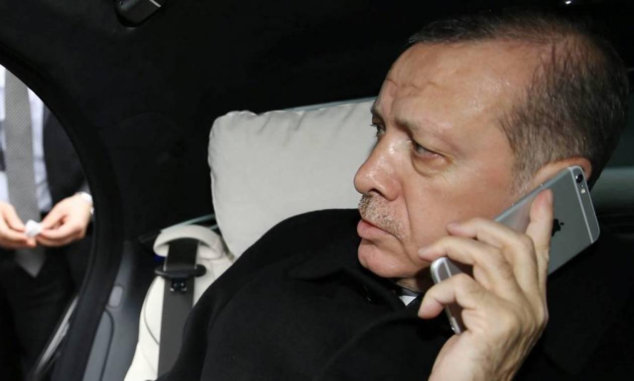 «Πολιτικός μαϊντανός» ο Ερντογάν: «Έσπασε» τα τηλέφωνα για να επιλύσει... την Ρωσο–Ουκρανική κρίση