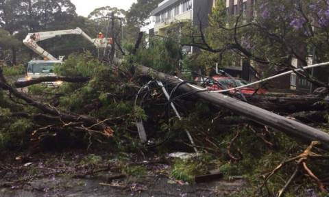 Η «καταιγίδα του αιώνα» σαρώνει την Αυστραλία: Χάος από καταρρακτώδεις βροχές και θυελλώδεις ανέμους