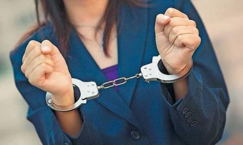 Μυτιλήνη: 21χρονη είχε στη βαλίτσα της σημαντική ποσότητα κάνναβης (pics)