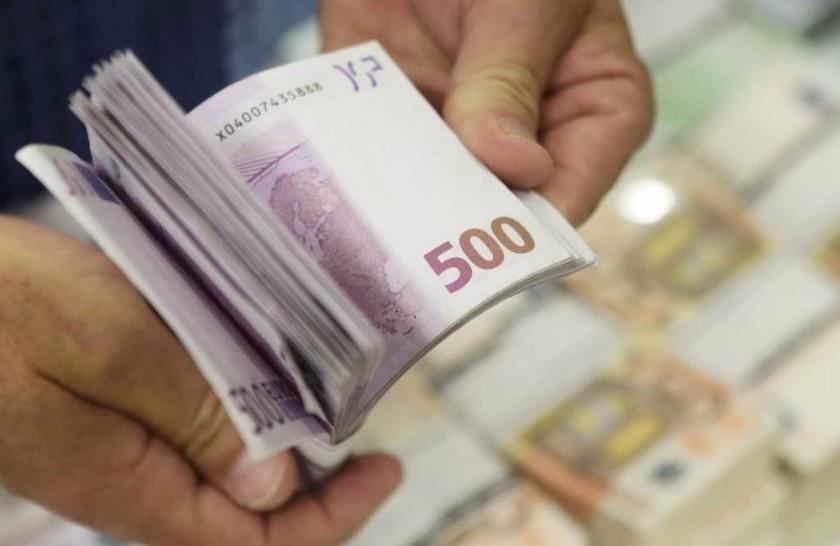 Έκαναν «φτερά» οι καταθέσεις τον Οκτώβριο - «Βουτιά» 346 εκατ. ευρώ