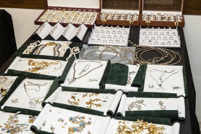 Ριχάρδος: Αυτό είναι ο αμύθητος θησαυρός του κυκλώματος – Παντού χρυσός και ασήμι