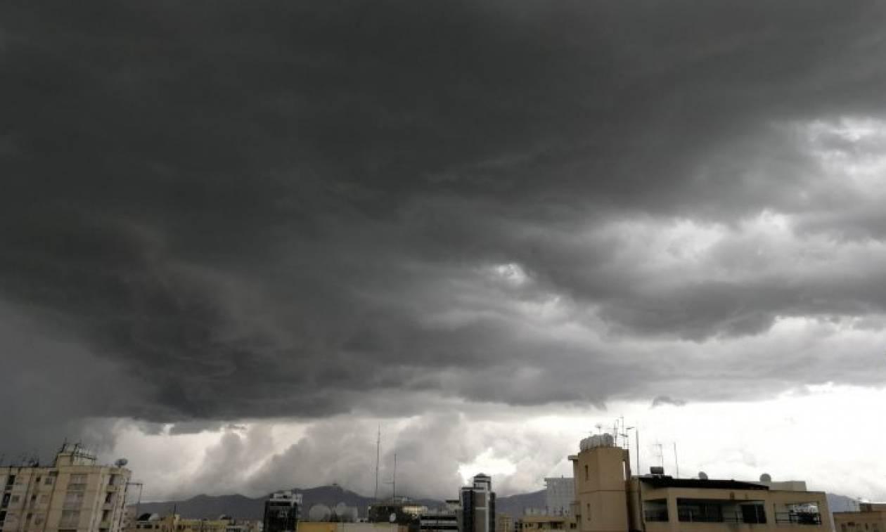 Καιρός: Η «Πηνελόπη» έφτασε και στην Κύπρο -Υδροστρόβιλος στη Λεμεσό (pics+vid)