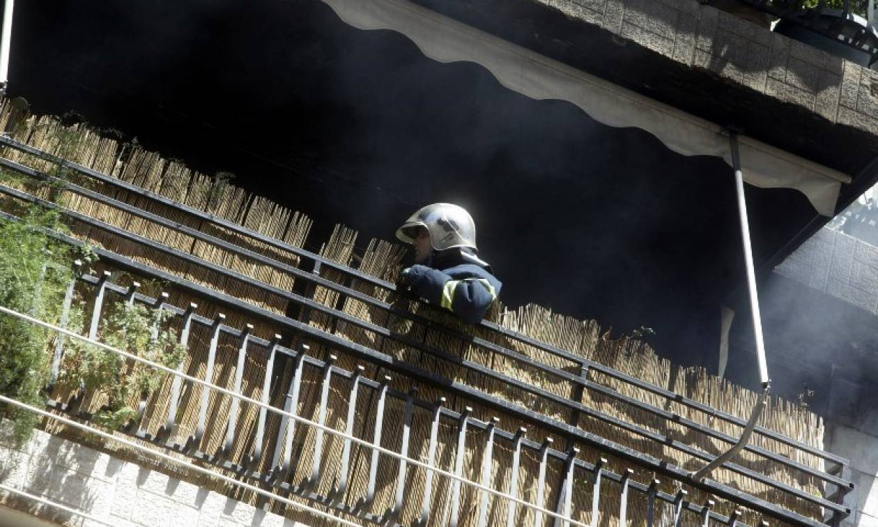 Θεσσαλονίκη: Φωτιά σε διαμέρισμα - Εγκλωβίστηκε ηλικιωμένη