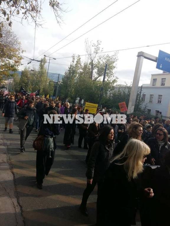 ΤΩΡΑ: Πορεία διαμαρτυρίας για τον Ζακ Κωστόπουλο - Κλειστή η Αλεξάνδρας (pics)