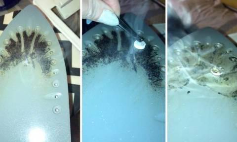 Το σίδερό της ήταν μαύρο! Οταν δείτε πώς το καθάρισε θα το κάνετε κι εσείς (video)