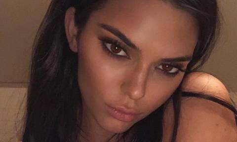 Η Kendall Jenner μόλις έκανε το πιο αστείο σχόλιο για τις αδερφές της στο Instagram