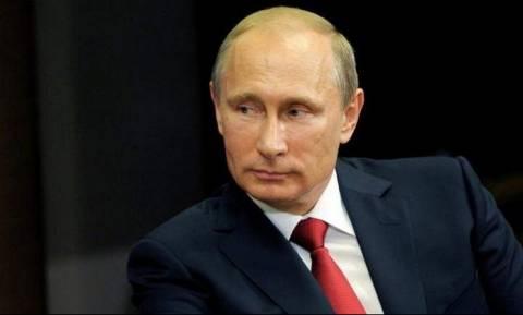 Πούτιν: «Αναγκαία» μία ουσιαστική συνάντηση με τον Τραμπ