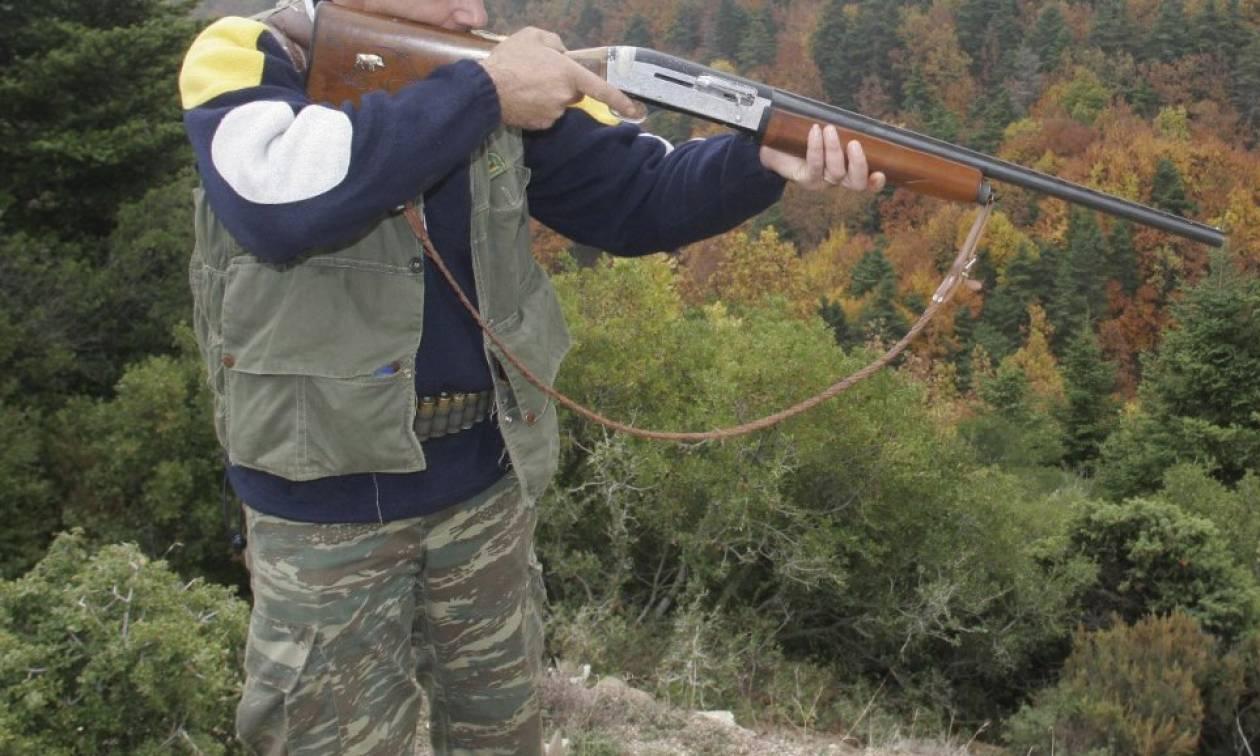 Τραγωδία στην Αιτωλοακαρνανία: Χειροπέδες στον 86χρονο κυνηγό που σκότωσε φίλο του