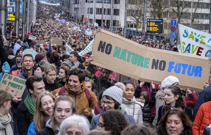 Ο «πυρετός» των «αγανακτισμένων» χτυπά την Ευρώπη: Διαδηλώσεις και στις Βρυξέλλες