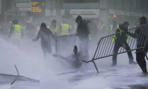 Ο «πυρετός» των «αγανακτισμένων» εξαπλώνεται στην Ευρώπη: Διαδηλώσεις και στις Βρυξέλλες (Vids)