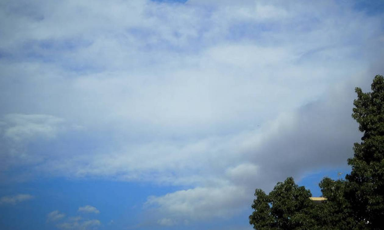 Καιρός: Με βροχές η Δευτέρα - Ανεβαίνει η θερμοκρασία
