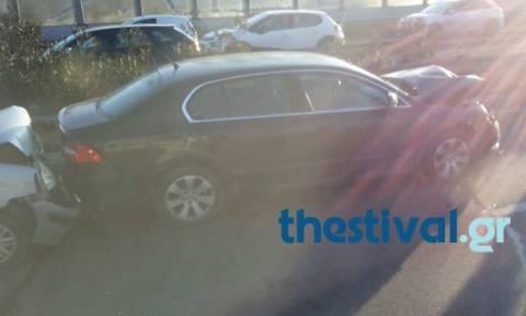 Κυκλοφοριακό κομφούζιο στον Περιφερειακό της Θεσσαλονίκης από καραμπόλα πέντε οχημάτων