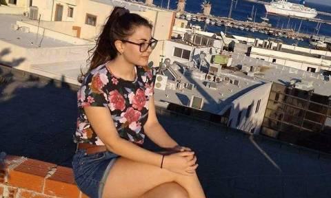 Συγκλονίζει η μητέρα της 21χρονης: Τι τους έκανε το παιδί μου – Να βρεθούν τα κτήνη που τη σκότωσαν