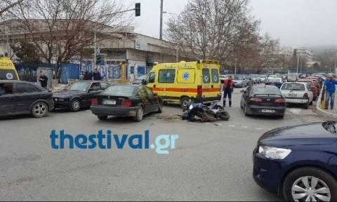 Τραγωδία στη Θεσσαλονίκη - Κατέληξε ο 25χρονος που τραυματίστηκε σοβαρά σε τροχαίo