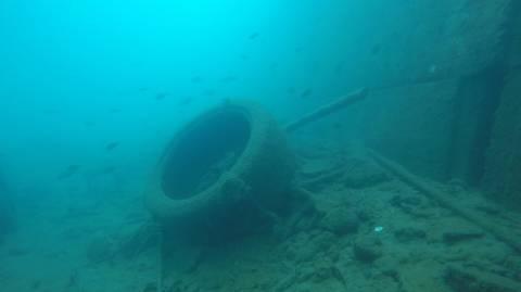 Απίστευτες εικόνες από τον καθαρισμό του βυθού στο λιμάνι του Γυθείου (pics)