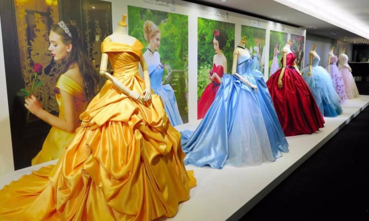 Εταιρεία λανσάρει ως νυφικά τα φορέματα των πριγκιπισσών της Disney και το αποτέλεσμα  μαγεύει 1bbd52c5a64