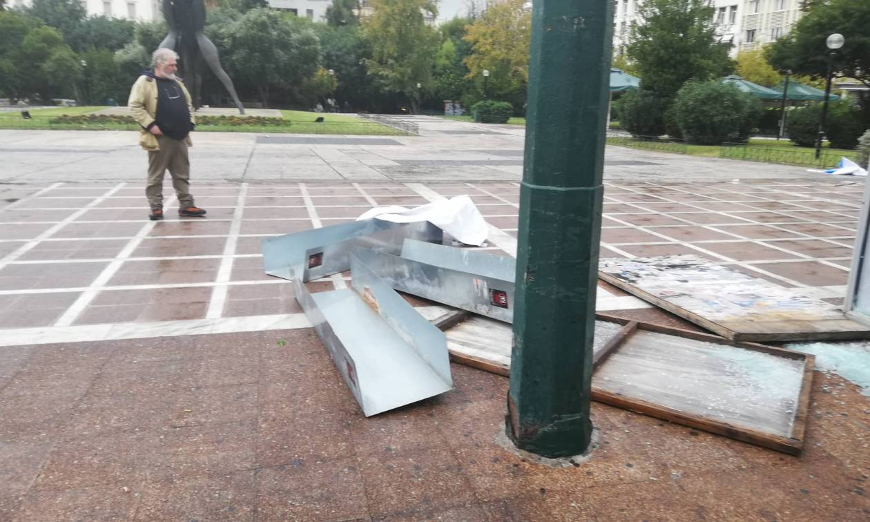 Tension at Klathmonos Square - Syntagma metro station closed due to rallies for Grigoropoulos